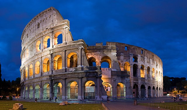 कोलोजियम ( The Roman Colosseum )